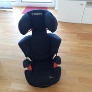 Kindersitz Maxi Cosi und Sitzerhöhung