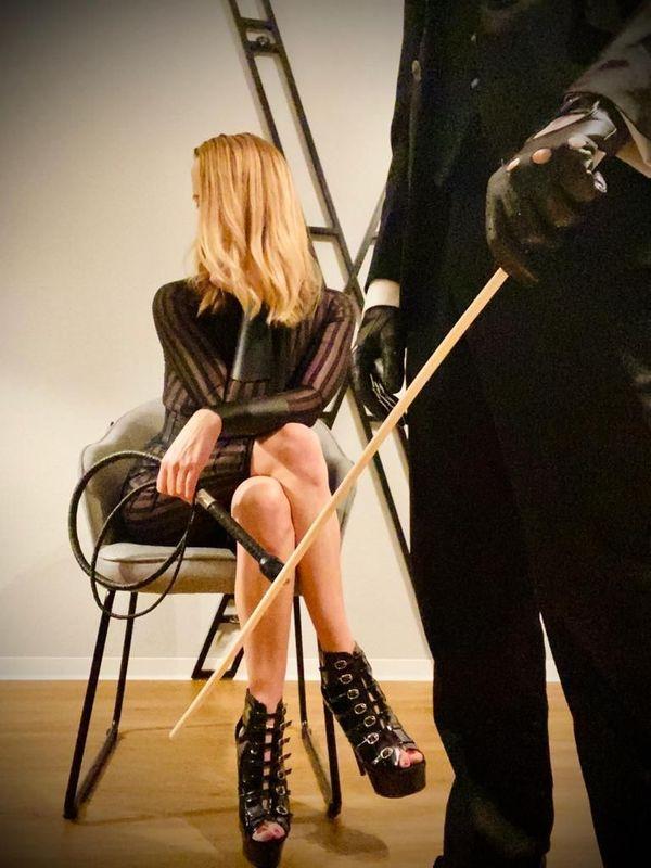 Sklavenerziehung BDSM Domina und Sinnliche