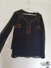 schwarzes dünnes Shirt