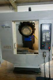 CNC Bohr und Fräszentrum TC-229N