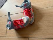 Stylische Damen Schuhe 40 Nike