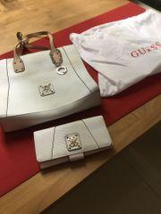 Wunderschöne Guess Handtasche mit passender
