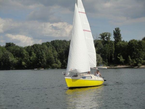 Segelboot Varianta 65