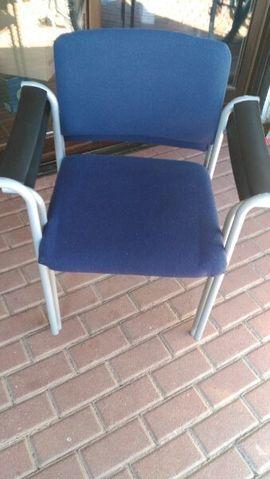 Bild 4 - 2 Bürostühle stappelbar - Kandel