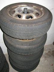 4x Winterreifen Dunlop 155 70