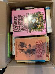 3 Kartons Bücher zu verschenken