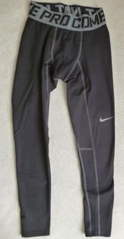 Nike Pro Combat Hyperwarm Compression