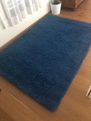 Teppich blau höchst