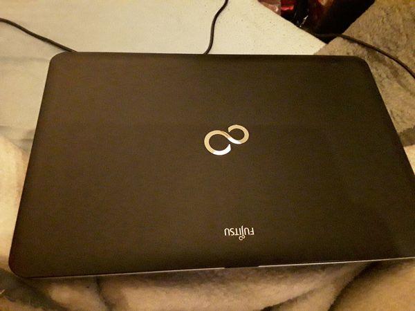 Fujitsu Lifebook A512 Laptop Notebook