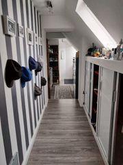 Stilvolle gepflegte 2-Zimmer-DG-Wohnung mit Einbauküche