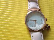 sehr schöne neue Armbanduhr