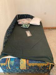 Bett mit Matratzenset