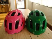 2 Kinder-Fahrradhelme unserer Zwillinge in