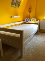 Kinderbett Flexa mit Betthöhle