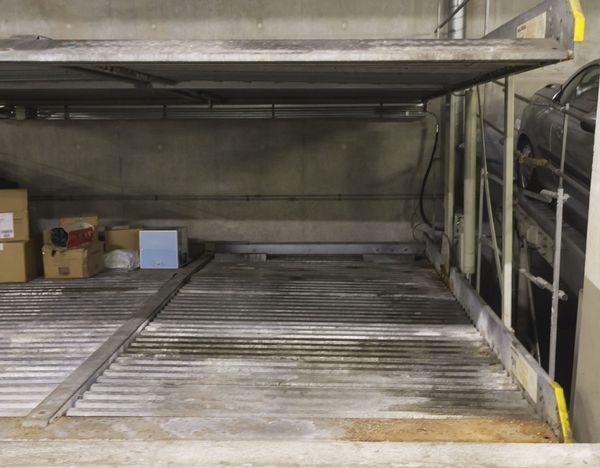 Tiefgaragenstellplatz Doppeldecker rechts unten - ab