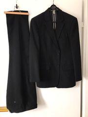 Biete Herren Anzug schwarz in