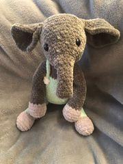 Häkeltier baby Elefant amigurumi Handarbeit