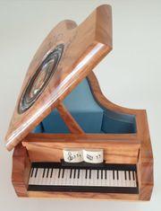 Holz-Spieluhr Klavier mit Melodie Tristesse