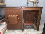 Tischnähmaschine Singer - Typ 215 G