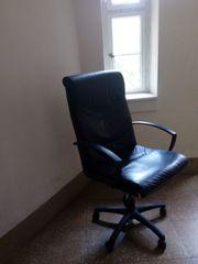 1 Bürosessel und 2 Bürostühle