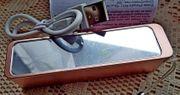 Kompakter Kosmetik-Spiegel mit integrierter Powerbank