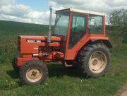 Traktor Renault 551