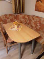 Neuwertige Eckbank Tisch und Stuhl