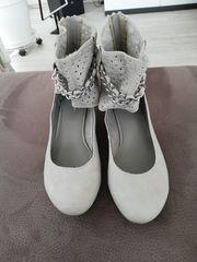 Damen-Schuhe hellgrau Gr 40 NEU