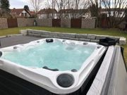 Luxus Outdoor Whirlpool SPA
