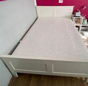 Weißes Bett MDF Liegefläche 140
