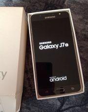 Samsung Galaxy J 7 6