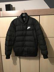 Nike Down Fill Bomberjacke Daunen-Jacke