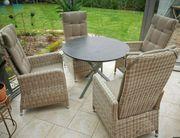 Tisch- und Sessel für Wintergarten