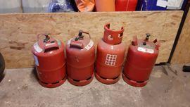 Campingartikel - Unterschiedliche Gasflaschen