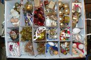 Weihnachtsdekoration für Baum und Tisch