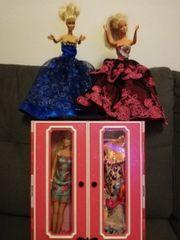 2 Barbie Koffer sehr viel