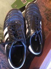 Hallenschuh Adidas Größe 39