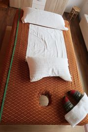 Thailändisches Massagebett Massageliege