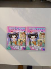 2 Topmodel-Malbücher Around the world