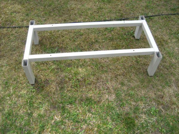 Stahl-Schrank-Untergestell H 20cm für Spinde