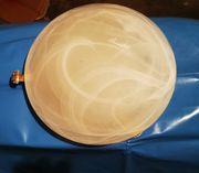 Schoene Deckenlampe aus Glas mit