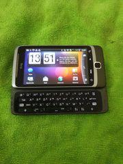 Smartphone HTC Desire Z mit