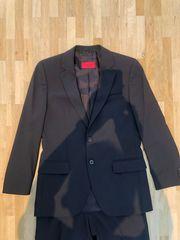 Hugo Boss Anzug in dunkelbraun