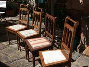 4 ältere Holzstühle