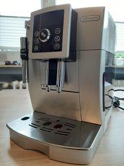 Delonghi Kaffee Cappuccino-Vollautomat ECAM 23