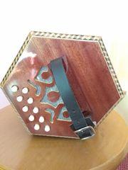 Konzertina - kompakte Handharmonika