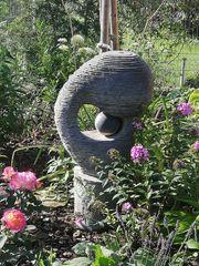 Außergewöhnlicher hochwertiger sehr schwerer Brunnenstein