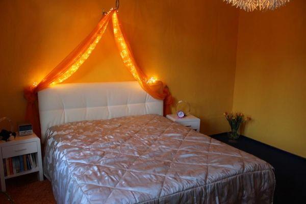 Neuwert Schlafzimmer Polsterbett Nachttische Schrank