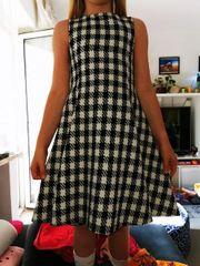 Süßes Kleidl Gr 128 mit