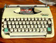 Wunderschöne Vintage Schreibmaschine Olympia - sehr
